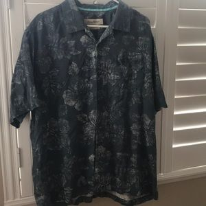 Men's Tommy Bahama Button Down Shirt!